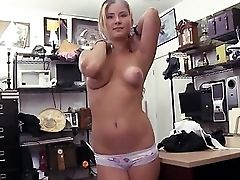 Sweet Chubby Female Mel A Tip For The Waitress