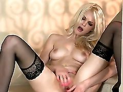 Supah Sexy Blonde Bitchy Dame In