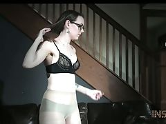Nerdy Sierra Cirque Gets Manacled And Immobilized With Chains Before Getting Off