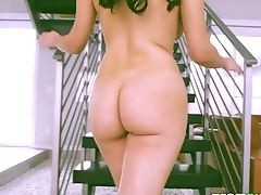 Hook-up-appeal Italian Honey Valentina Nappi Is Fucked By Horny Johnny Castle