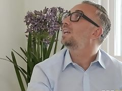 Decadent Dude Fucks Bootyful Towheaded Honey Mia Malkova In Mouth And Snatch