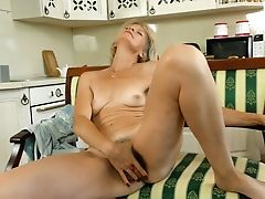 Lusty Mummy Diana Gold Is A Czech Lady Who Loves To Pet Her Hairy Cunt