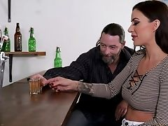 Stunning Cougar Gia Dimarco Goes Wild In The Glory Fuckhole Room With Big Black Cock