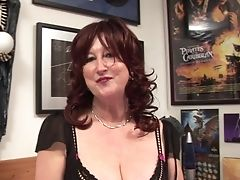 Matures Sandy-haired Bitch Has Some Joy With A Lengthy Faux-cock