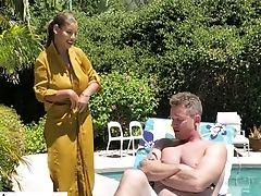 Fantastic Curvy Sexpot Bridgette B Is Worth Nothing But Good Honeypot Banging