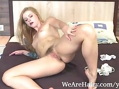 Jadeite Milky Masturbates While Laying In Couch
