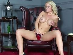 Solo Matures Frankie Screams While Attempting Out A Fresh Hookup Fucktoy. Hd